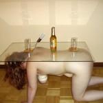 マゾが家具になってる人間テーブルや人間イスのエロ画像