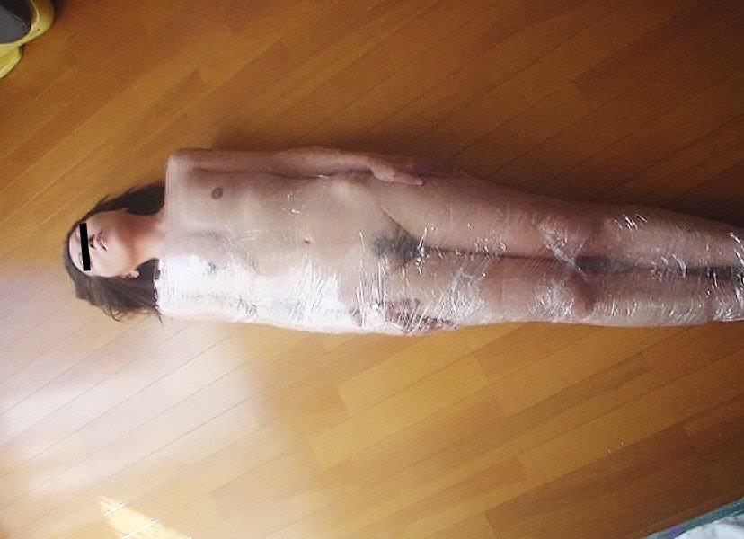 真空パックで包んだりラップでグルグル巻きにしたエロ画像