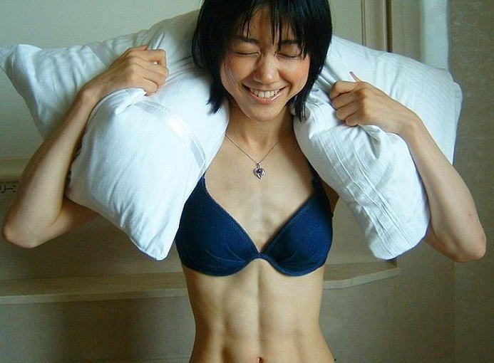 筋肉女のエロマッチョ画像!腹筋割れてるマッスルウーマン
