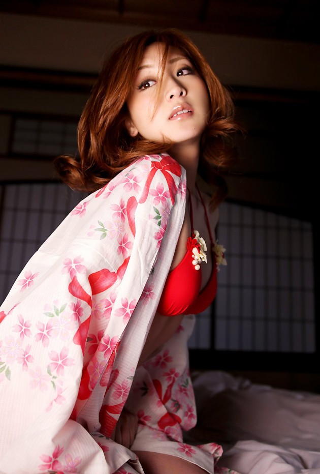 浴衣 美人 はだける 綺麗なお姉さん 和服 エロ画像【18】