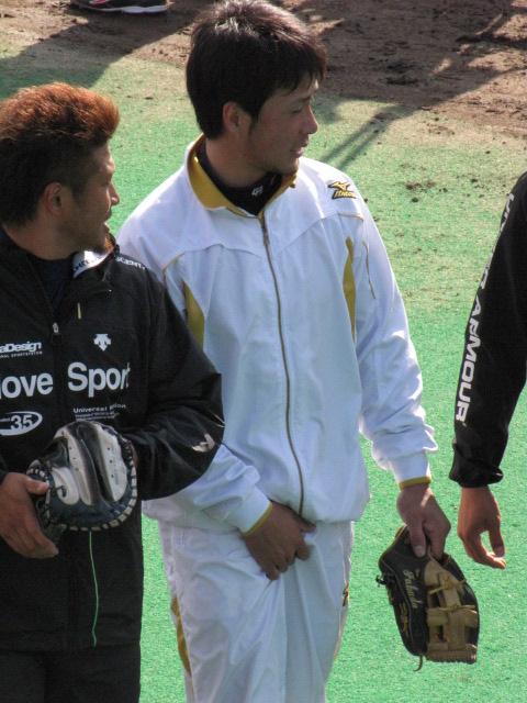 野球選手 サッカー選手 チンポジ直し エロ画像【27】
