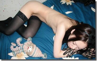 華奢な女性の細い裸体を堪能できるガリガリヌードなエロ画像 ②