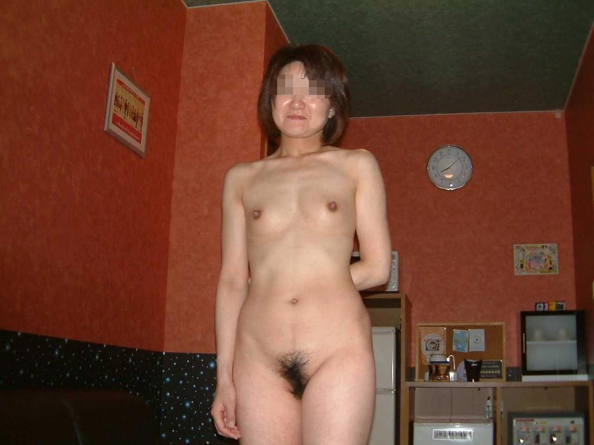 性欲の強いおばさんの裸投稿写真