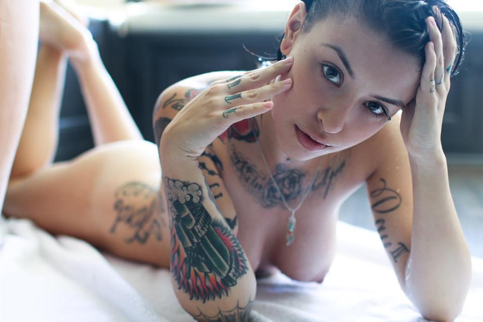 入れ墨 タトゥー 外国人 美女 エロ画像