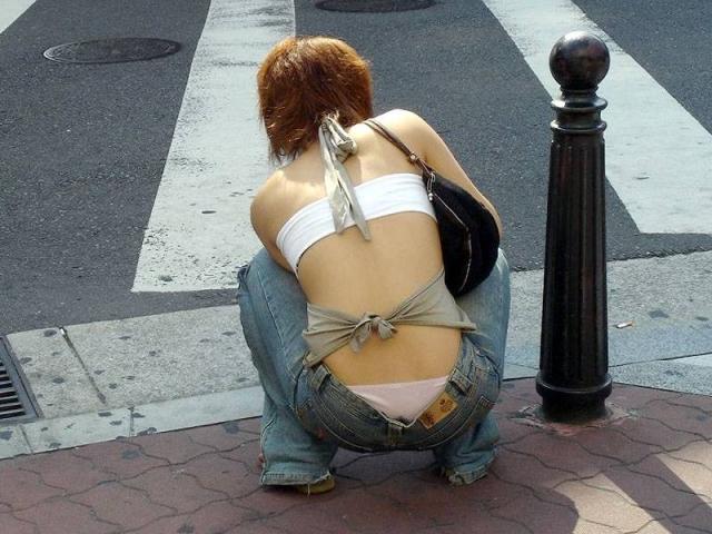ギャル 背中 丸見え 後ろ姿 セクシー 街撮り エロ画像【7】