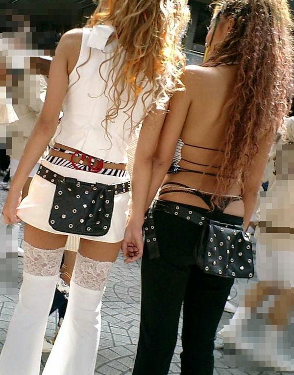 ギャル 背中 丸見え 後ろ姿 セクシー 街撮り エロ画像【29】