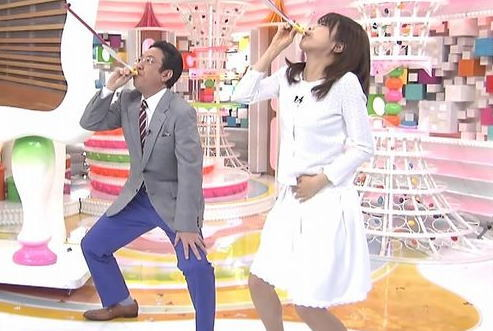 【画像】 加藤綾子 オナニーとフェラを連想させるピロピロエクサがエロ過ぎwwwwww