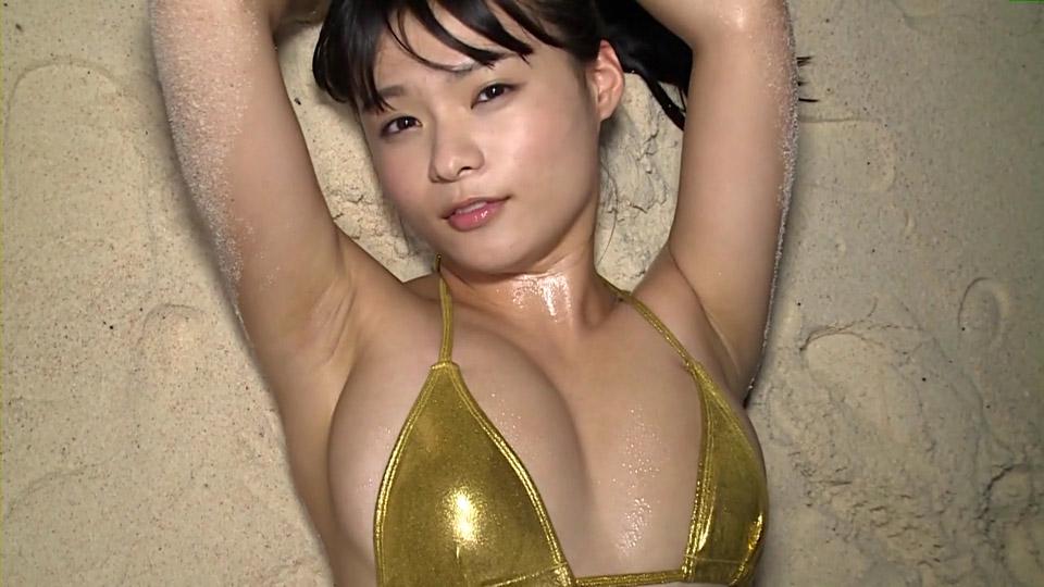 【画像】巨乳グラドル星名美津紀(18) 乳輪が完全にはみ出すハプニングwwwww
