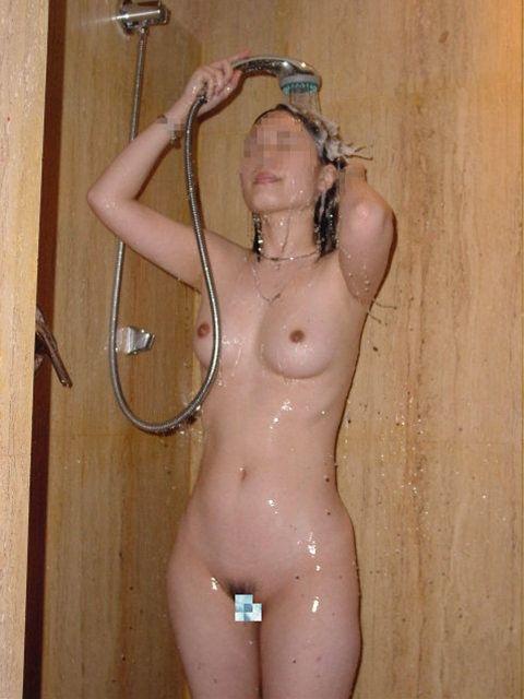 髪の毛 シャンプー 洗う シャワー 流す 風呂 エロ画像【21】