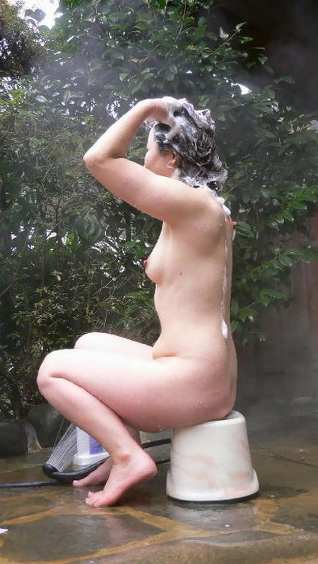 髪の毛 シャンプー 洗う シャワー 流す 風呂 エロ画像【26】