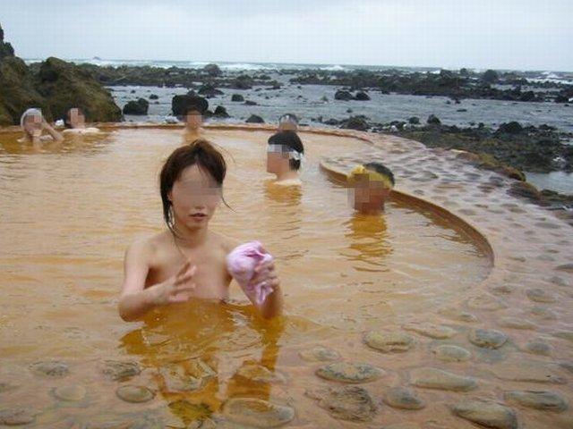 全裸 男女 混浴 露天風呂 エロ画像【2】