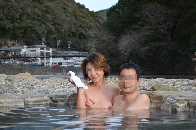 全裸 男女 混浴 露天風呂 エロ画像【29】