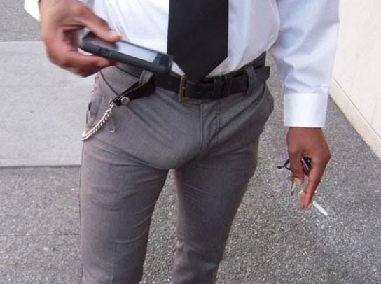 スーツ 働く男 股間 モッコリ リーマン エロ画像