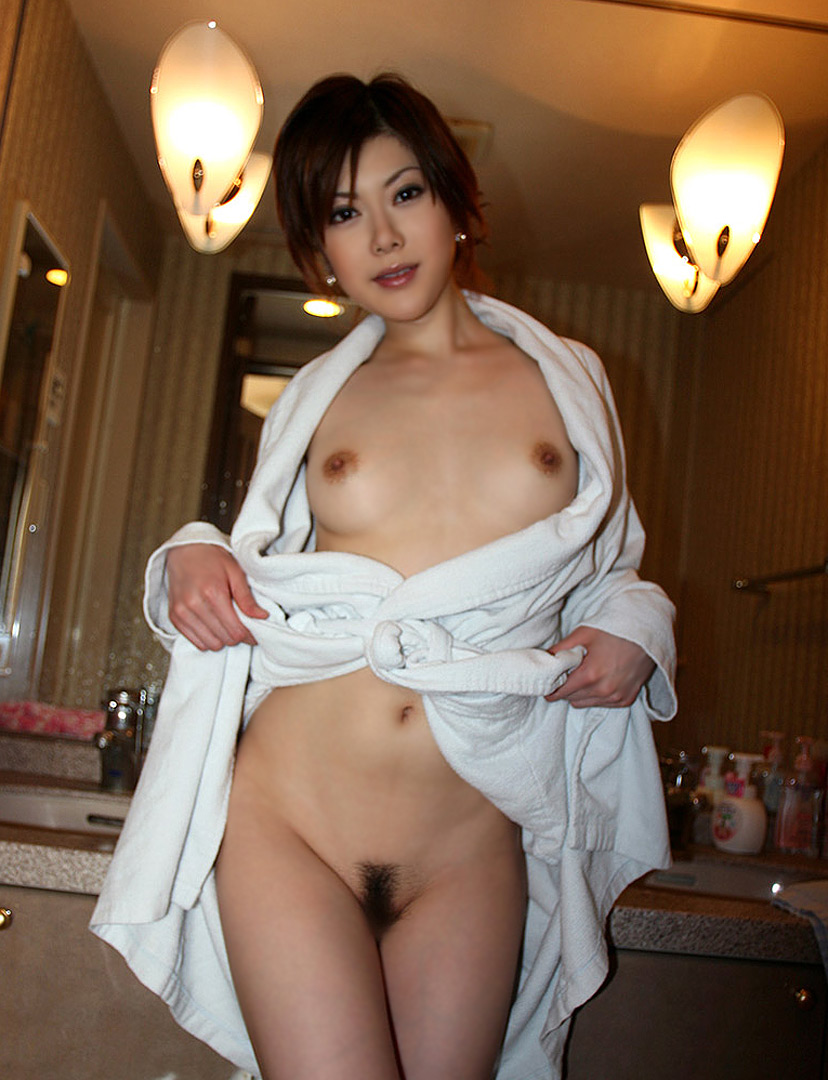 ラブホテル 備品 バスローブ 寝巻 エロ画像【8】