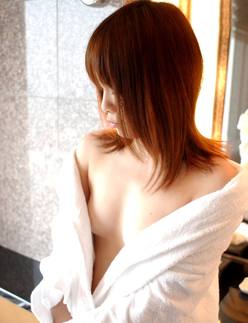 ラブホテル 備品 バスローブ 寝巻 エロ画像【23】