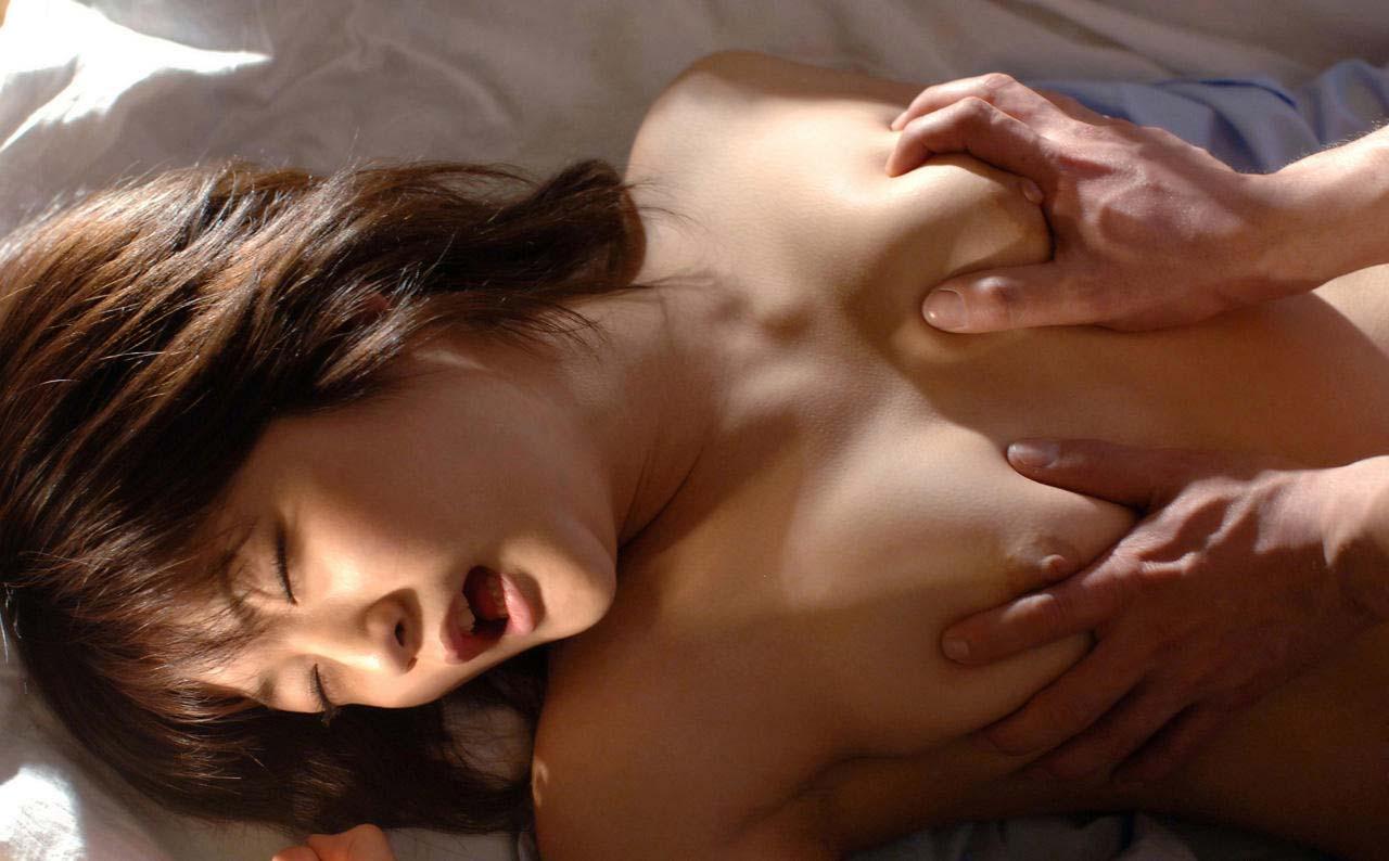 正面 おっぱい モミモミ 両手 両乳 揉む エロ画像【20】