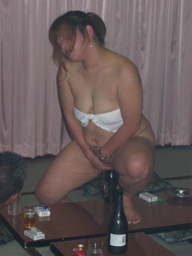 おばちゃん 温泉コンパニオン 人妻 熟女 エロ画像【7】
