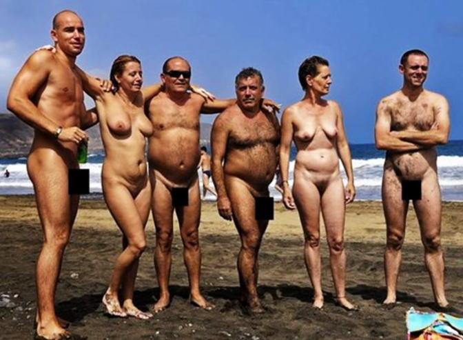 ヌーディストビーチ 老若男女 全裸 エロ画像