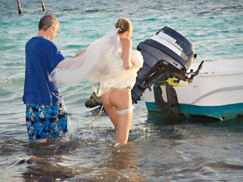 結婚式 ハプニング 純白 花嫁 ポロリ パンチラ エロ画像
