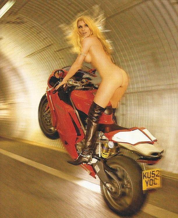 全裸 半裸 下着 バイク モーターサイクル エロ画像【9】