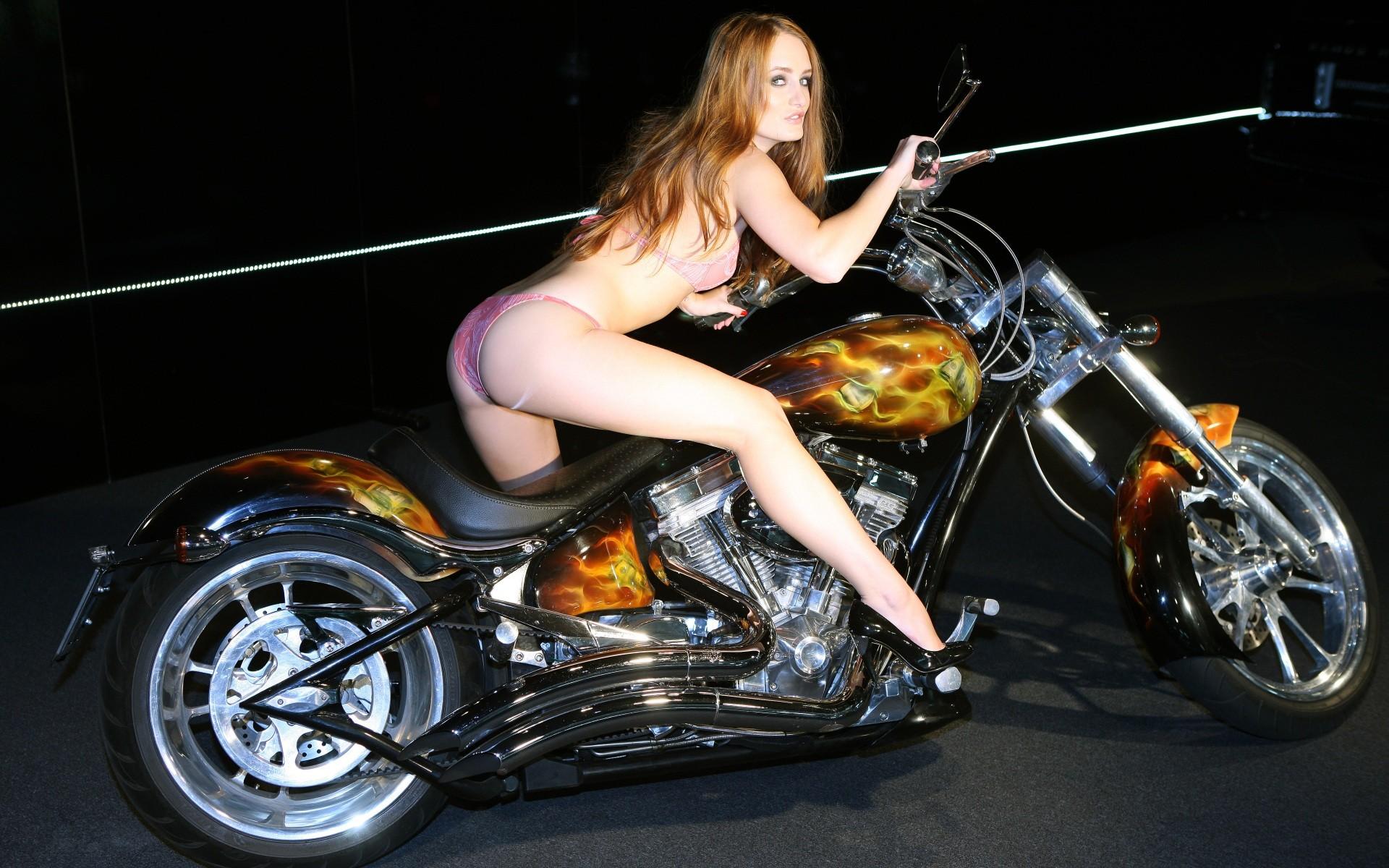 全裸 半裸 下着 バイク モーターサイクル エロ画像【12】