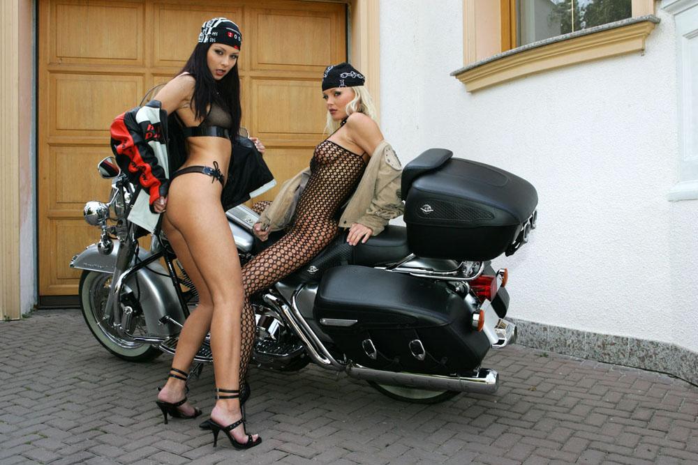 全裸 半裸 下着 バイク モーターサイクル エロ画像【18】