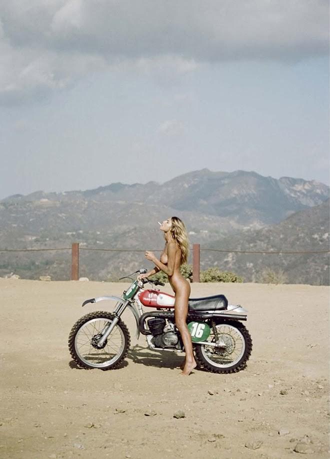 全裸 半裸 下着 バイク モーターサイクル エロ画像【25】