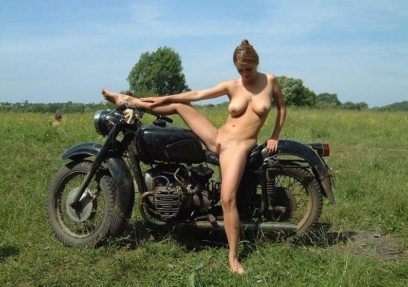 全裸 半裸 下着 バイク モーターサイクル エロ画像【30】