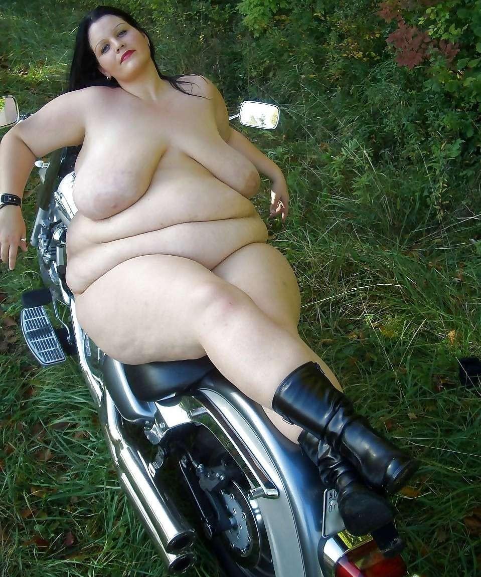全裸 半裸 下着 バイク モーターサイクル エロ画像【32】