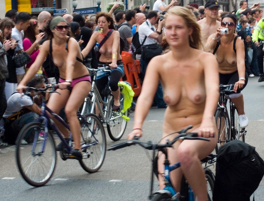 サイクリング 日本 海外 裸 自転車 エロ画像【27】
