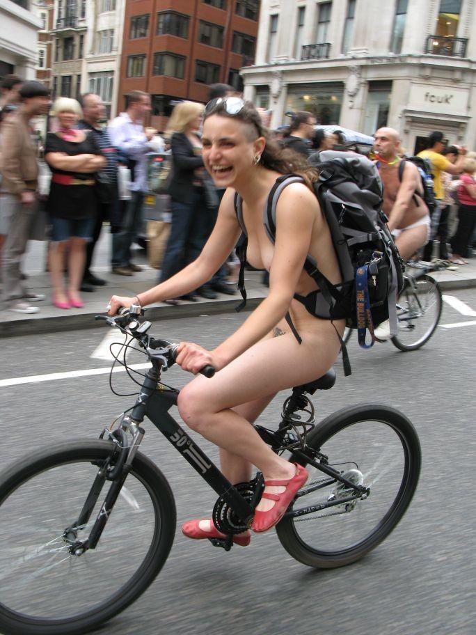 サイクリング 日本 海外 裸 自転車 エロ画像【29】