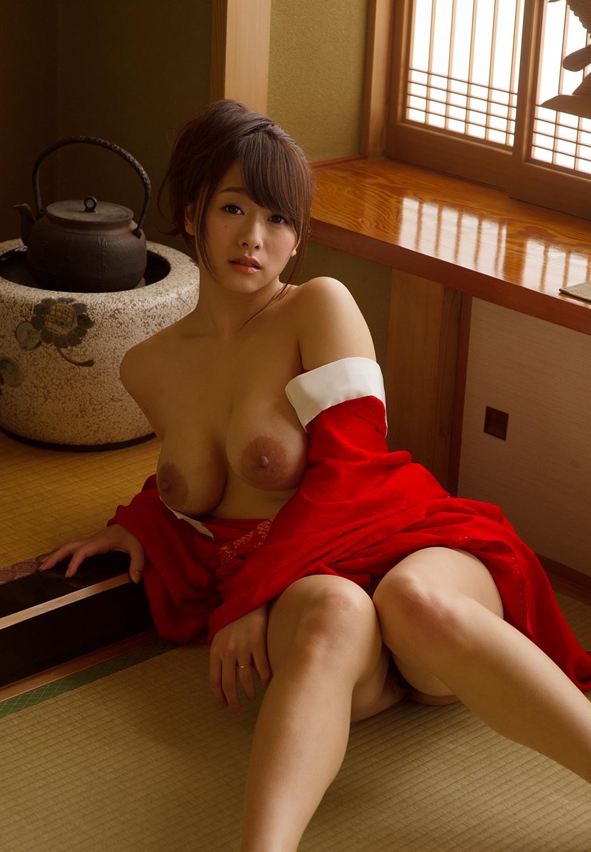 ママドル AV女優 白石茉莉奈 デカ乳輪 エロ画像【14】