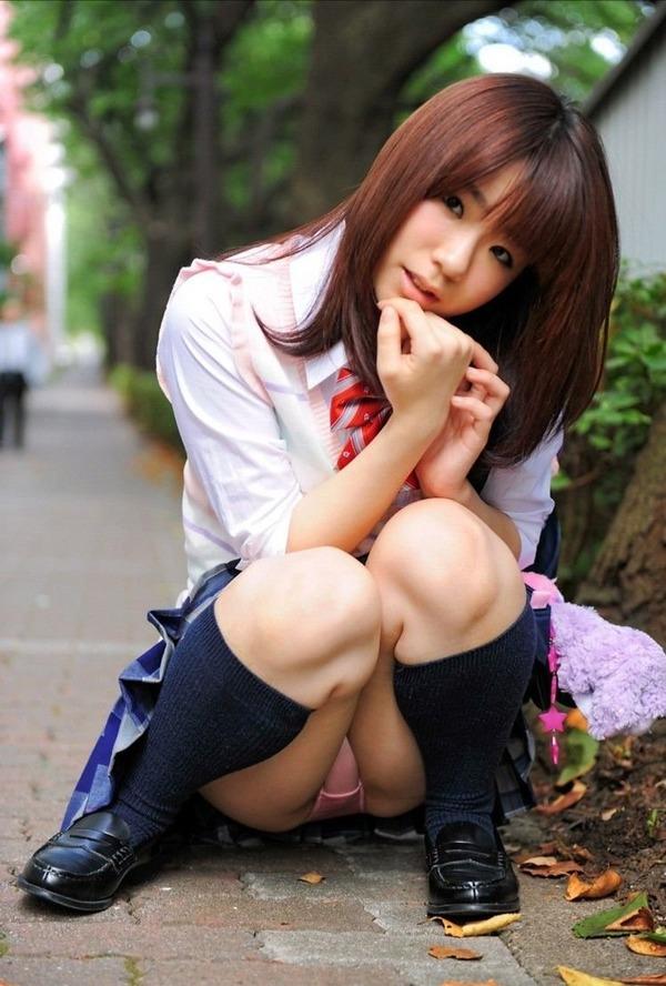 パンチラ JK 美人 女子校生 パンツ エロ画像【23】