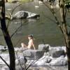 露天風呂に全裸の女性!盗撮・覗きには要注意なエロ画像