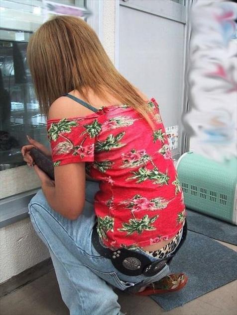 街撮り ギャル パンツ 派手 腰パン ハミパン エロ画像【24】