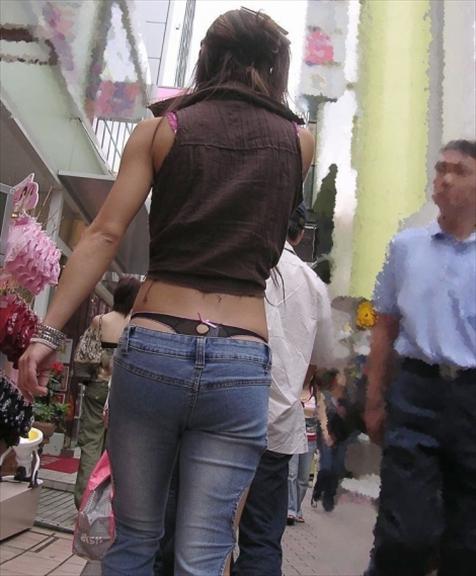 街撮り ギャル パンツ 派手 腰パン ハミパン エロ画像【26】