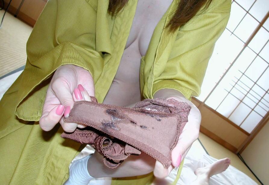 汚パンツ クロッチ 汚い 染み シミパン エロ画像