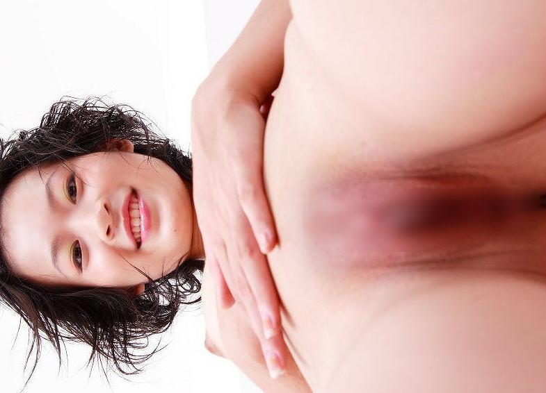 女性器 ローアングル マンコ マン毛 見上げる エロ画像