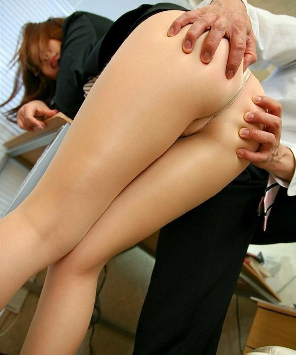 OL 社内 リーマン セックス セクハラ エロ画像【32】