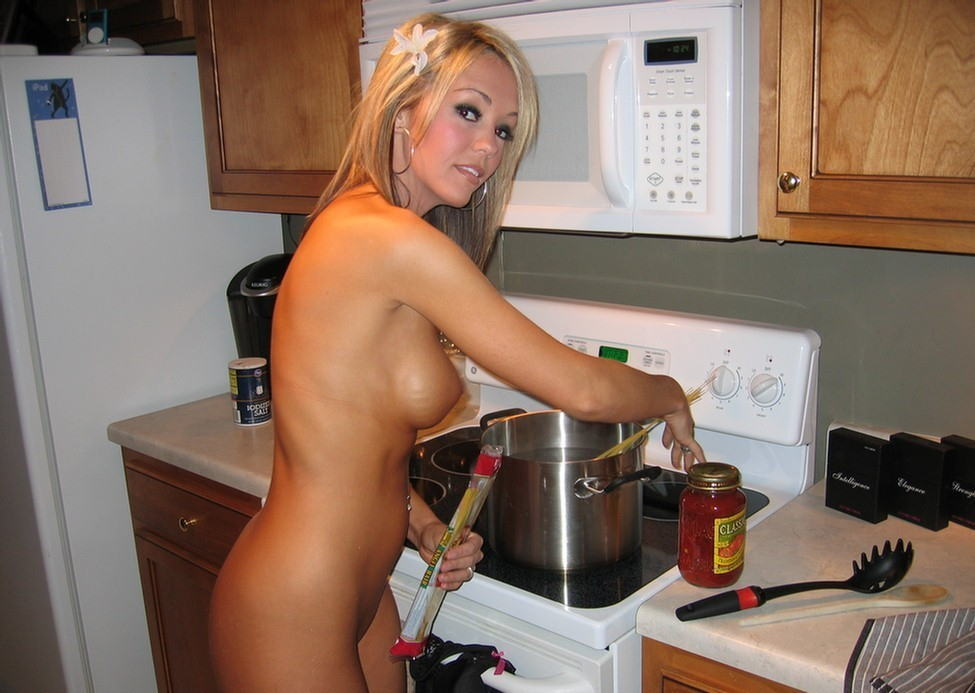 Girls Naked Cooking