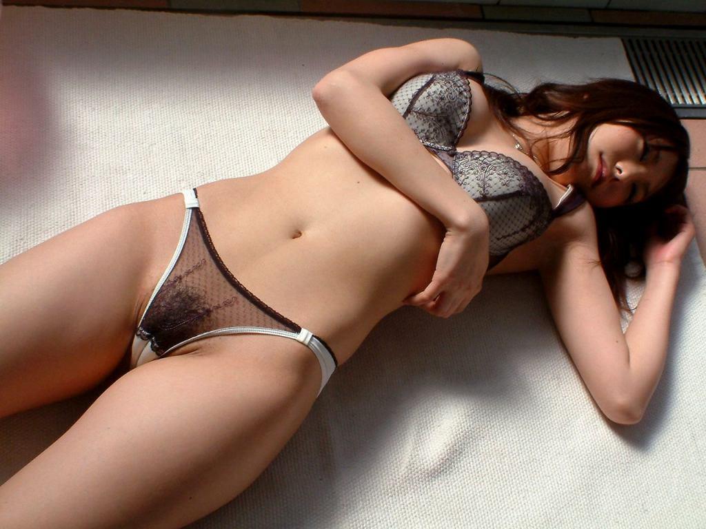 マン毛 乳首 下着 透ける シースルー 美女 エロ画像【31】