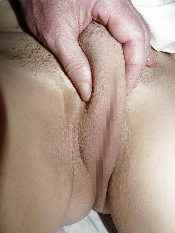 モリマン 素手 触る エロ画像 ベスト10 荒々しい手に激しく辱められているパイパンモリマン画像【1】