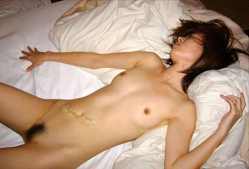 コンドーム 使用済 セックス 事後 ゴム エロ画像【18】