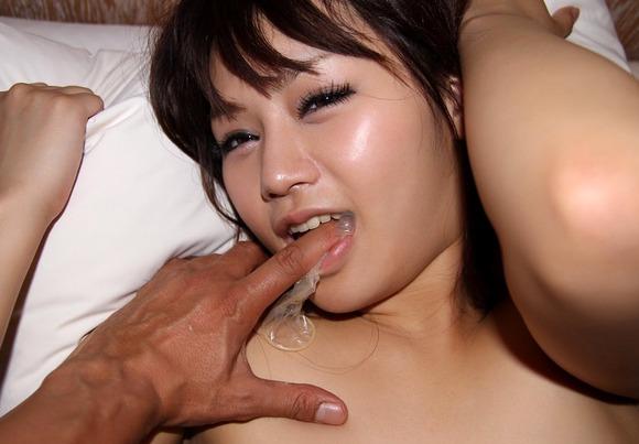 コンドーム 使用済 セックス 事後 ゴム エロ画像【34】