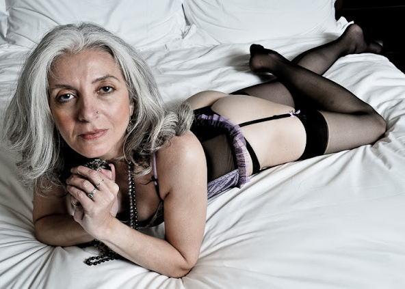 おばさん セクシー 外国人 熟女 下着 エロ画像