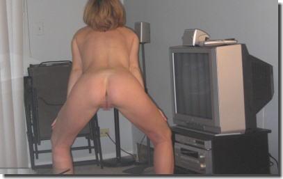 裸族なの?家の中でも外でも全裸な外国人女性のエロ画像 ④