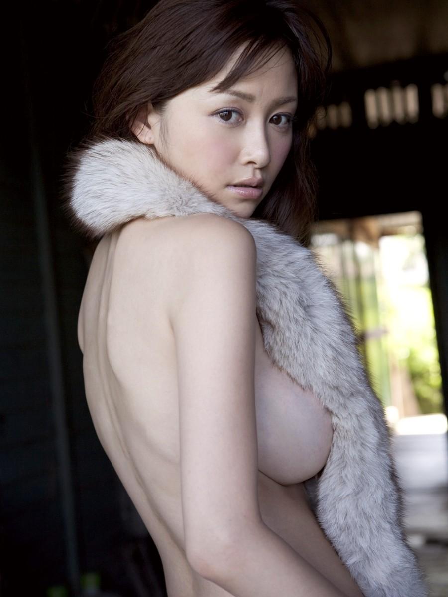 美女 横乳 おっぱい ノーブラ 乳房 ポロリ エロ画像【32】
