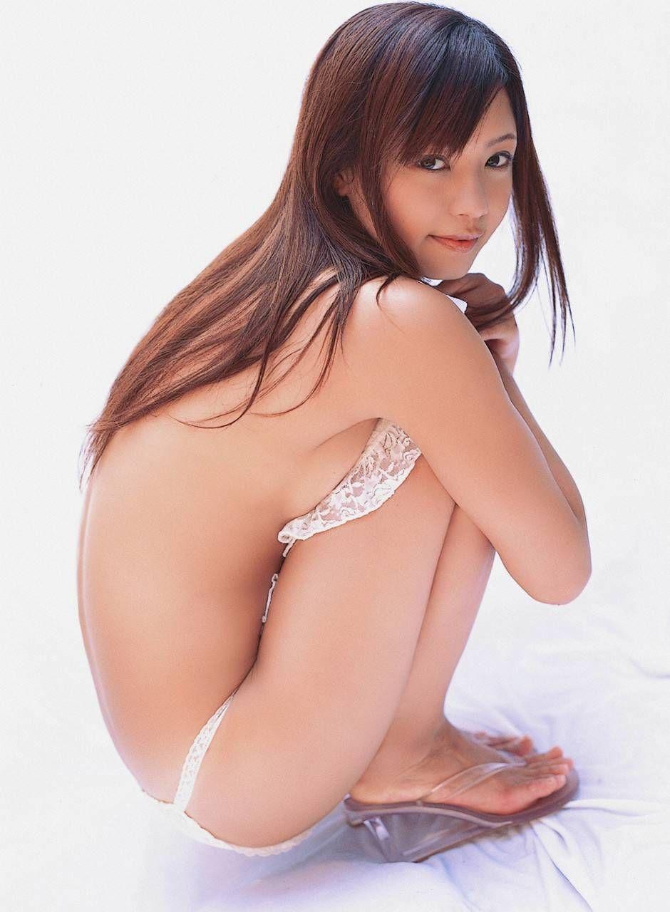 美女 横乳 おっぱい ノーブラ 乳房 ポロリ エロ画像【36】