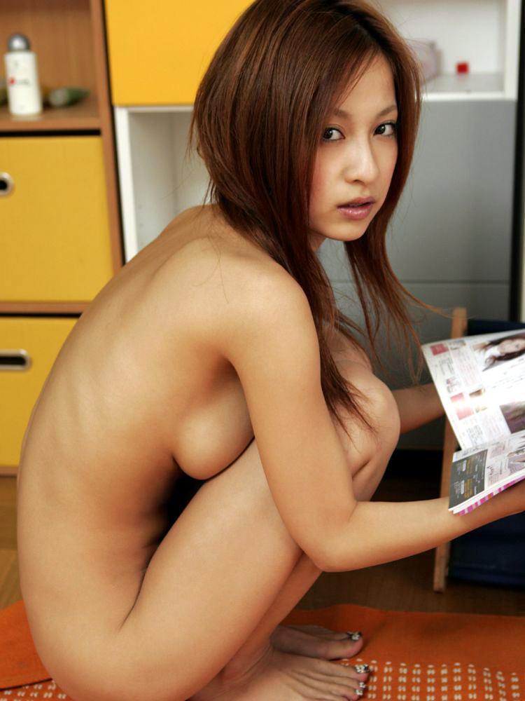 美女 横乳 おっぱい ノーブラ 乳房 ポロリ エロ画像【40】