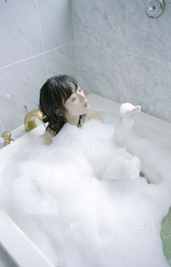すっぽんぽん 美女 泡風呂 エロ画像【23】